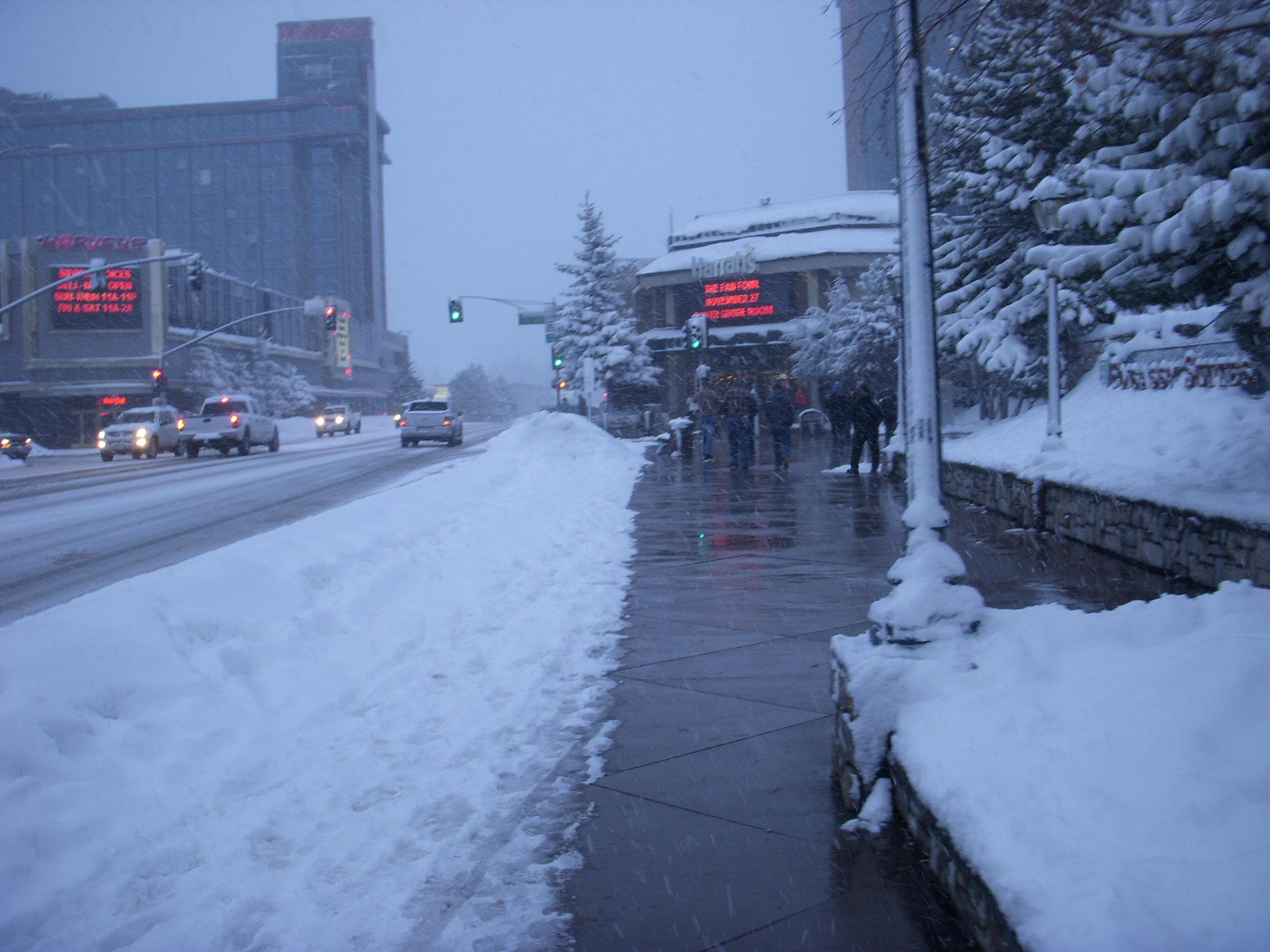 Rua principal, onde fica a vila e os Cassinos.