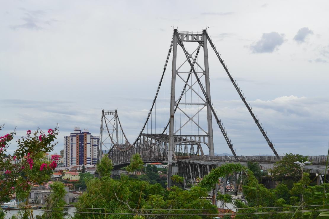 Vista da cabeceira da Ponte
