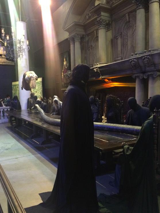 Essa é a parte que eu mais achei legal. Aquela cena do último filme, na Mansão dos Malfoy.