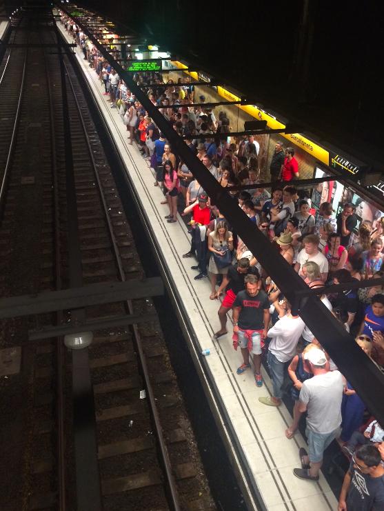 Sente nosso drama pra voltar da praia em dia de greve do metrô!