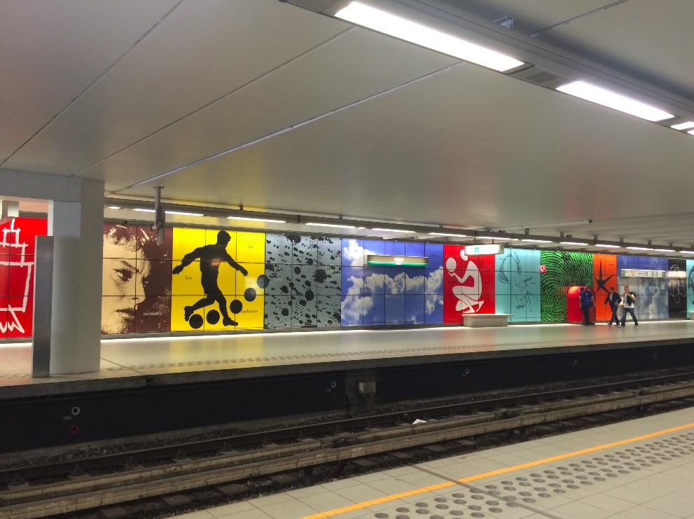 As estações de metrô lá são bem bonitas!