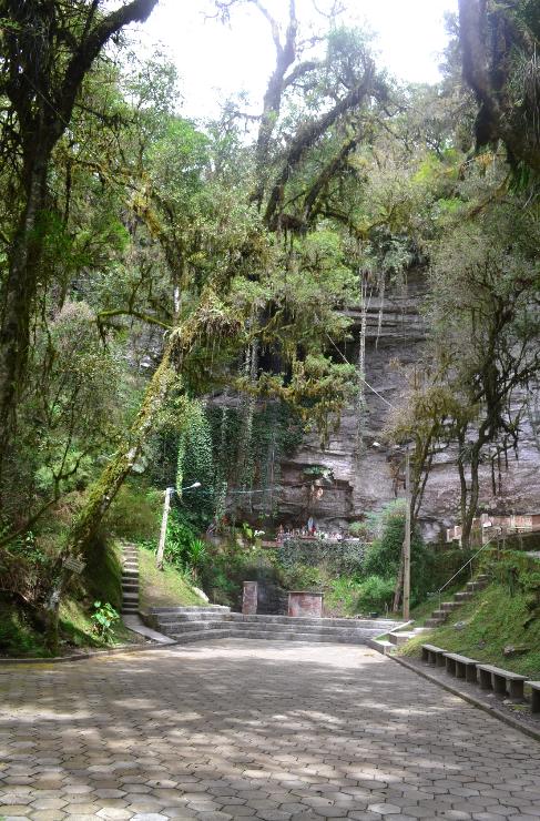 Gruta Nossa Senho de Lourdes