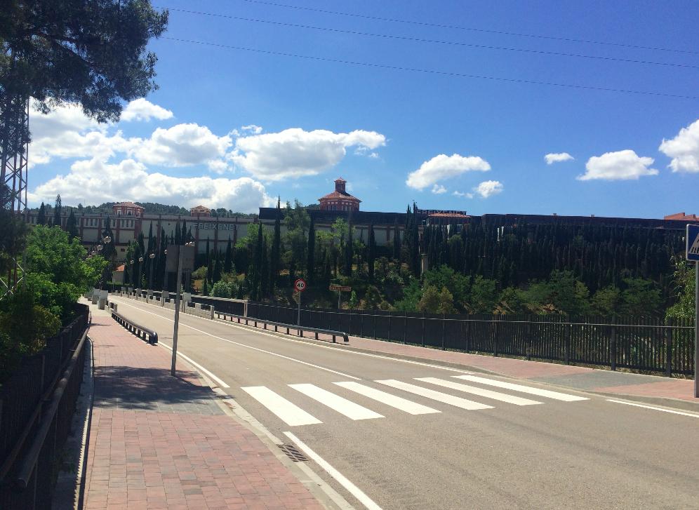 Andando por Sant Sadurní d'Anoia, ninguém na rua!