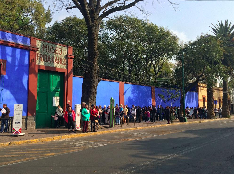 fila museu frida kahlo