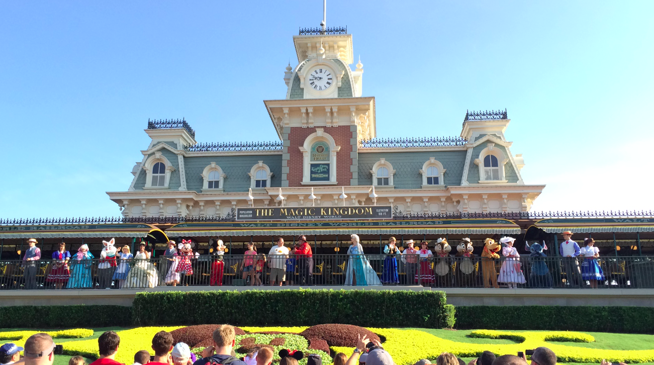 Trabalhando na Disney – International Park Greeter (ou Super Greeter)