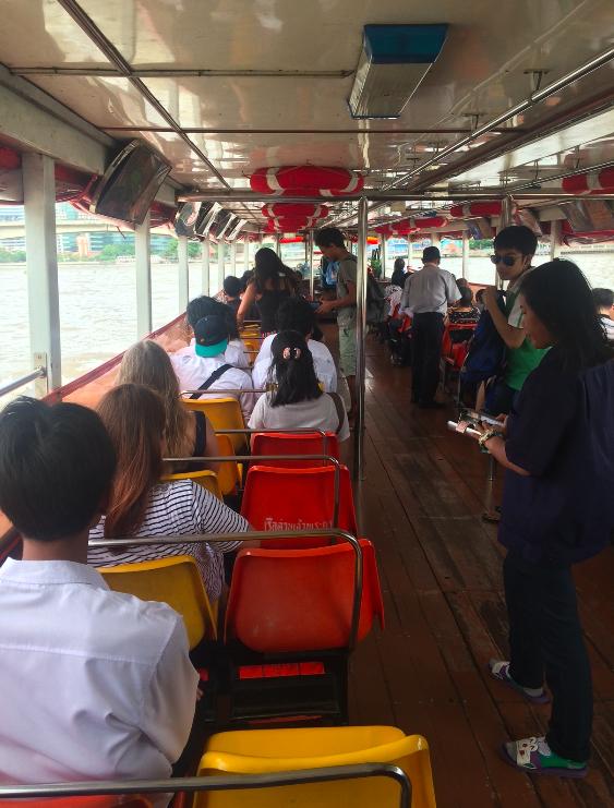 Chao Phraya Express Boat - adoramos esse meio de transporte! :)
