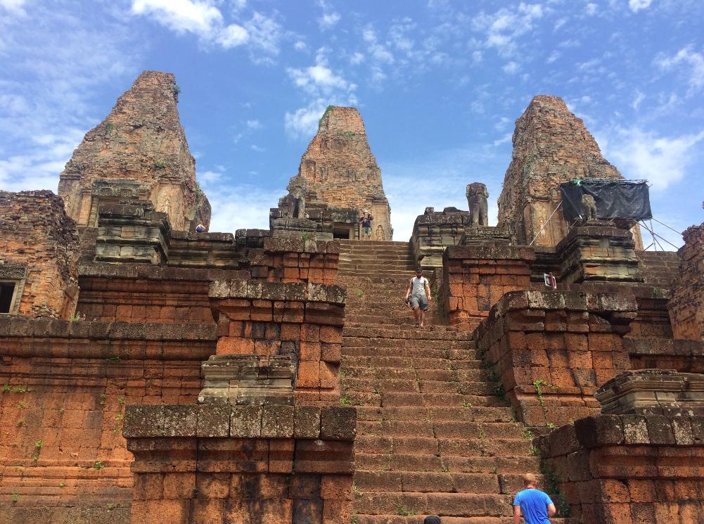 O principal passeio e o mais incrível: os templos de Angkor!