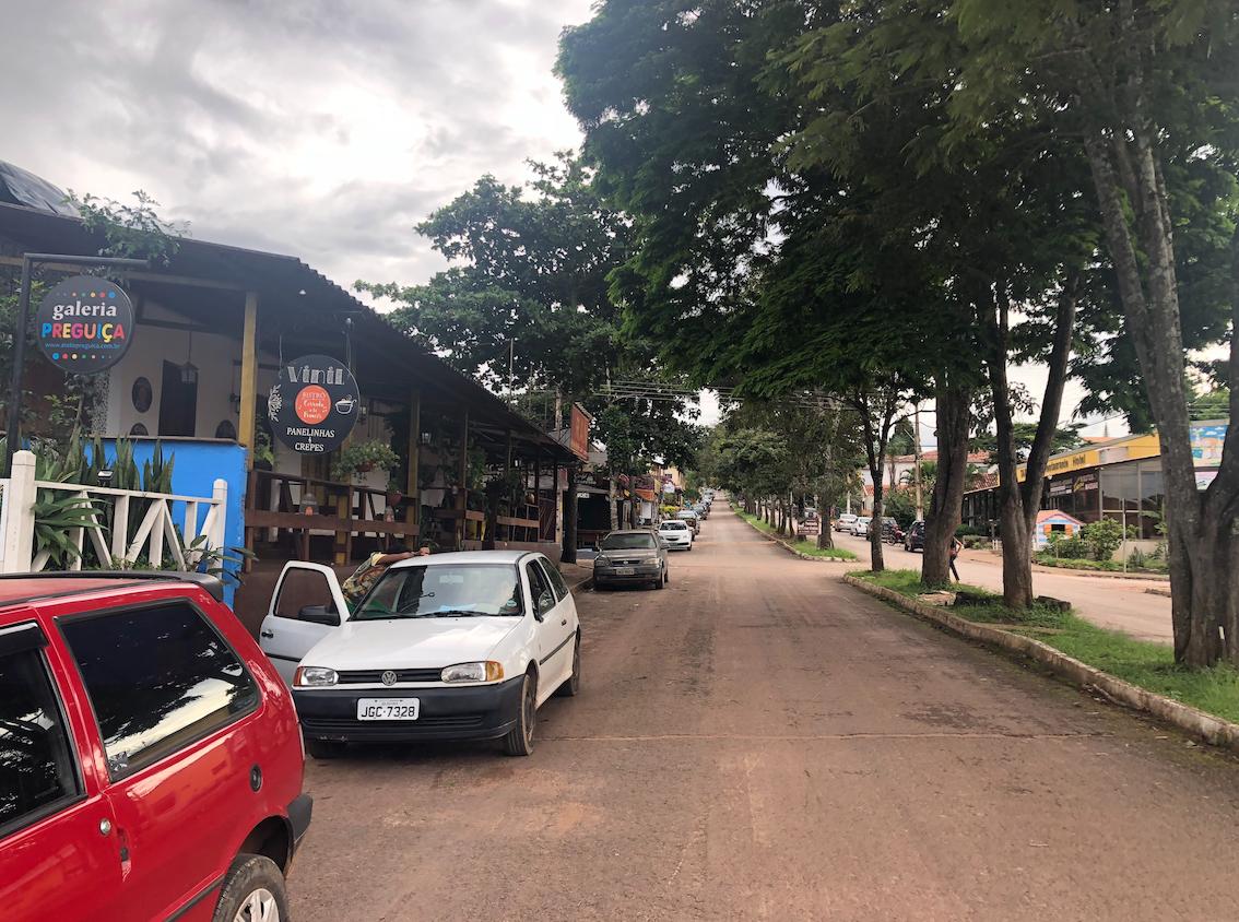 A rua principal de Alto Paraíso